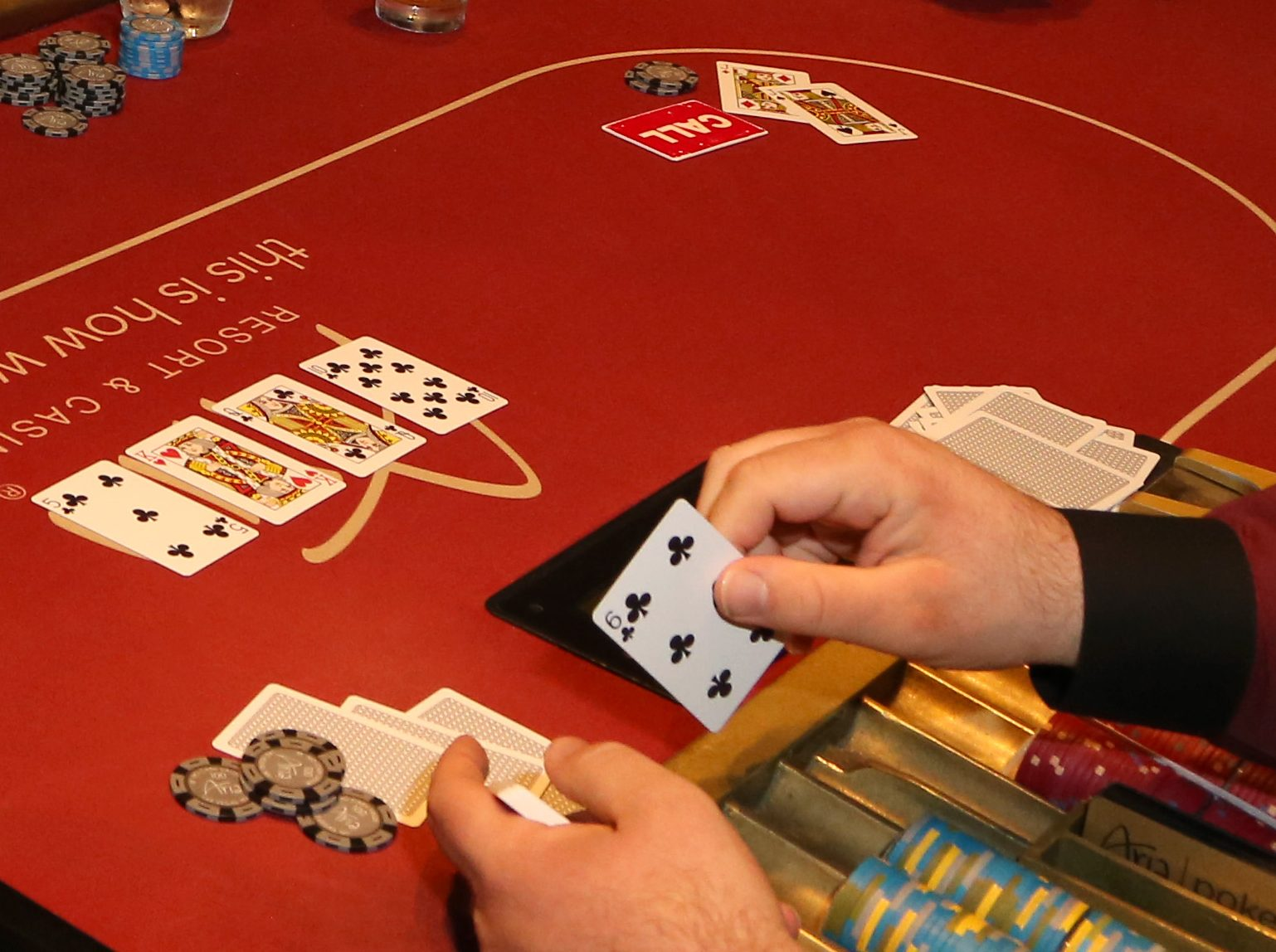 Eight Key Ways The pros Use For Online Casino